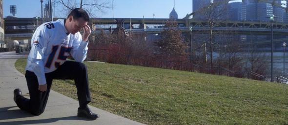 Pittsburgh Mayor Luke Ravenstahl Tebowing